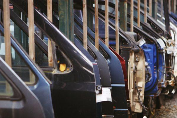 Recykling drzwi samochodów wycofanych z eksploatacji